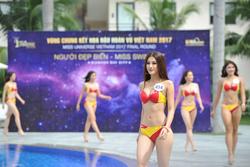 Đây cũng là những bộ bikini từng gây ấn tượng khi được tiếp viên hàng không của hãng mặc để khuấy động bầu không khí trên các chuyến bay.