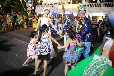 Carnival duong pho 'DIFF 2019' khuay dong khong gian pho dem Da Nang hinh anh 8