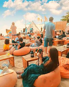 Den beach bar ngam hoang hon Phu Quoc tuyet dep hinh anh 3