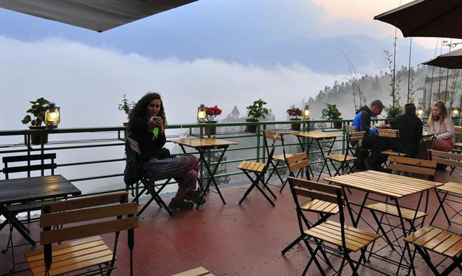Thư giãn tại những quán cà phê nhìn ra những khung cảnh tuyệt đẹp
