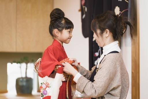 6 quy tac nghiem ngat khi mac kimono o Nhat Ban hinh anh 5