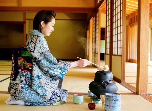 6 quy tac nghiem ngat khi mac kimono o Nhat Ban hinh anh 2