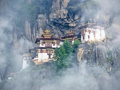 Mua tuyet roi tai quoc gia hanh phuc Bhutan hinh anh 6