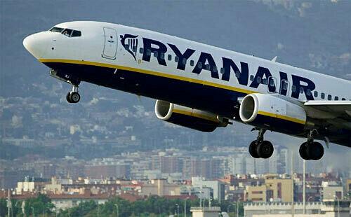 Ryanair là hãng bay giá rẻ có trụ sở tại Ireland. Ảnh: AFP.