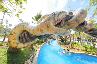 Cong vien nuoc chu de Aquatopia Water Park chinh thuc khai truong hinh anh 5 Cac_tro_choi_danh_cho_gia_dinh_day_thu_vi_tai_Aquatopia_Water_Park.jpg