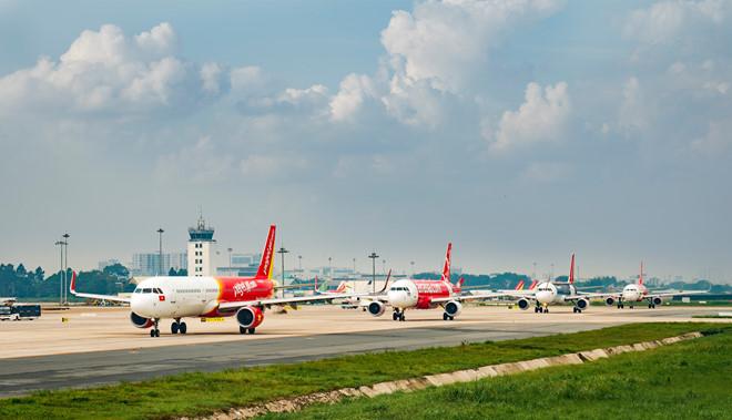 Giá vé máy bay Sài Gòn - Hà Nội rẻ kỷ lục, chỉ vài trăm ngàn thời dịch Covid-19 - ảnh 1