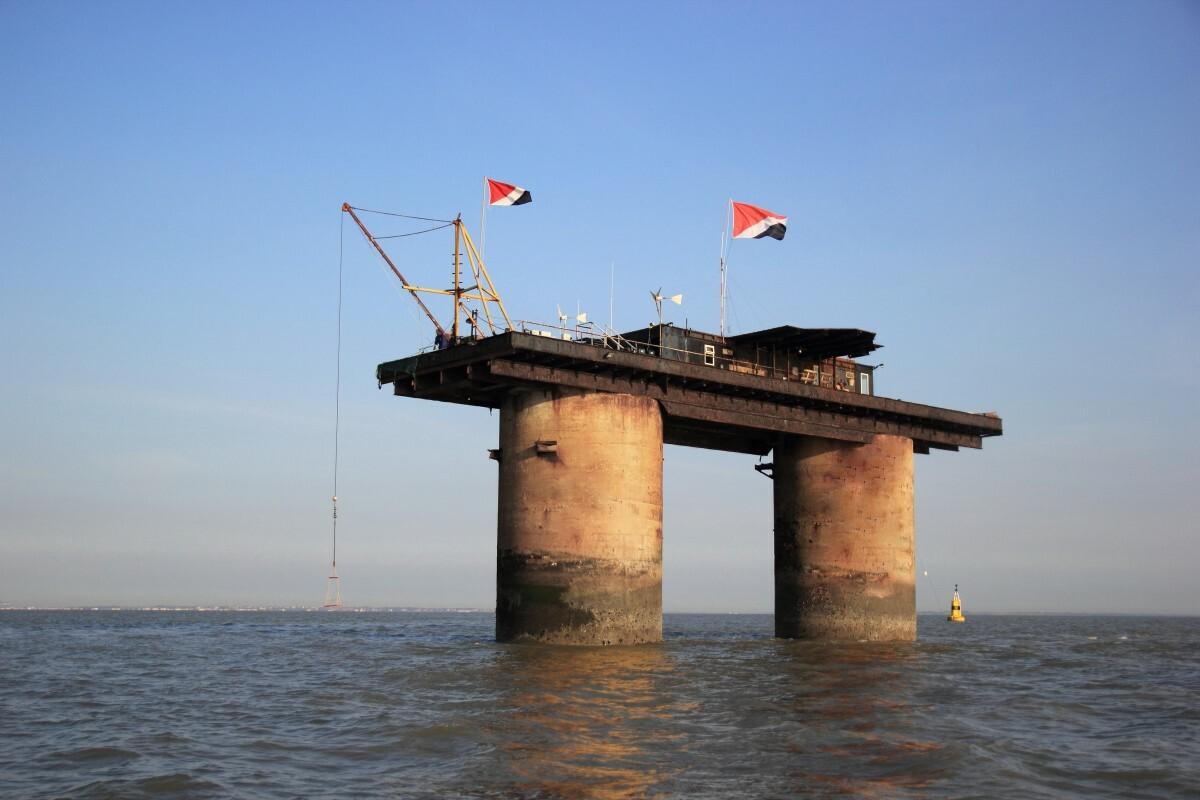 Pháo đài trước đây là nơi sinh sống của khoảng 300 hải quân. Ảnh: Medium.