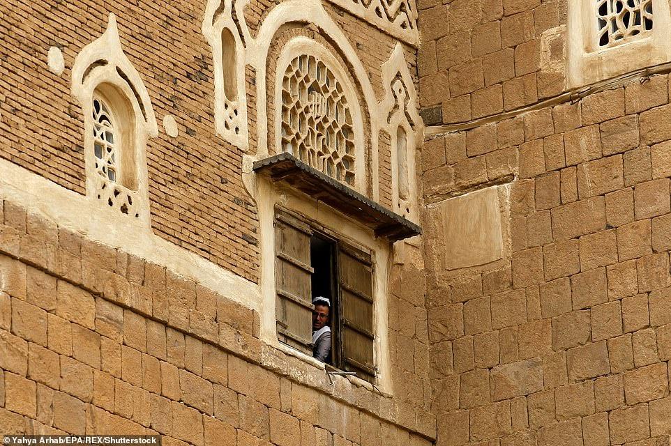 Cung dien da Dar al-Hajar anh 6