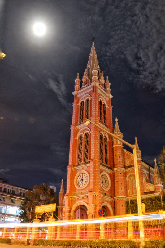 Cận cảnh nhà thờ Tân Định 150 tuổi ngay trung tâm Sài Gòn 'đốn tim' du khách - ảnh 12
