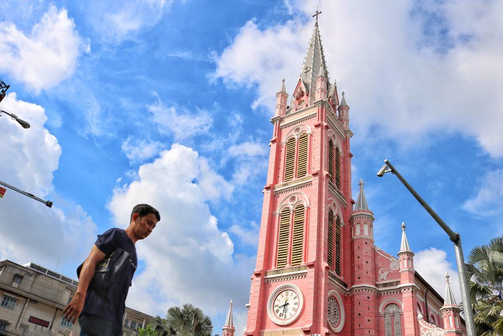 Nhà thờ màu hồng Tân Định nổi tiếng thế giới