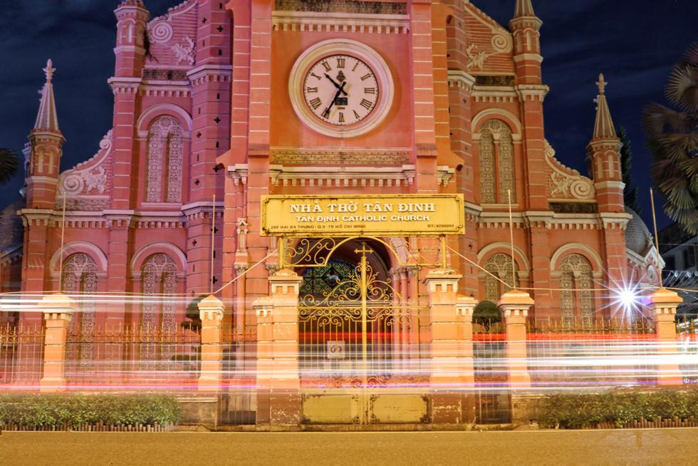 Cận cảnh nhà thờ Tân Định 150 tuổi ngay trung tâm Sài Gòn 'đốn tim' du khách - ảnh 13