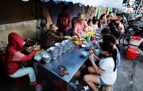Món biển Nha Trang hút du khách - Ảnh 1.