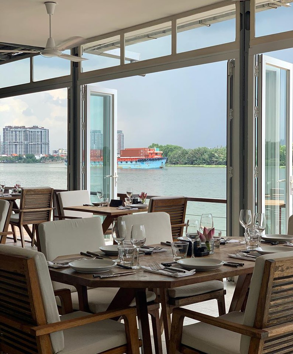 Cận cảnh quán bar ở Sài Gòn được báo Anh xếp vào hạng 'tốt nhất thế giới' - ảnh 1
