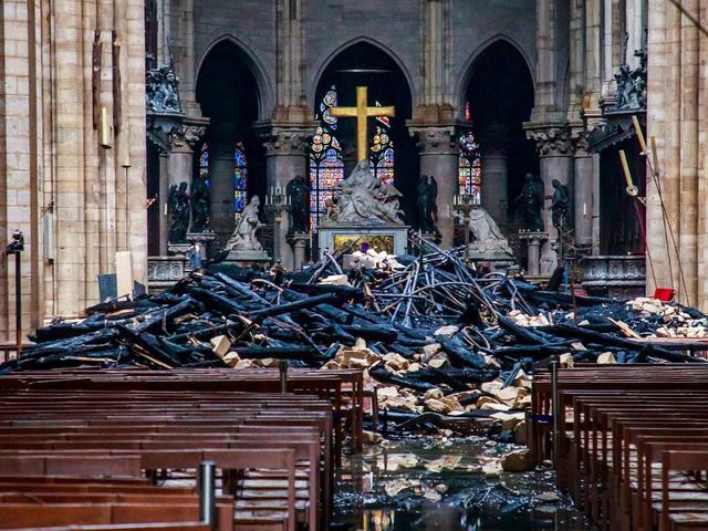 Việc xây dựng lại Nhà thờ Đức Bà có thể mất tới 20 năm - Ảnh 1.