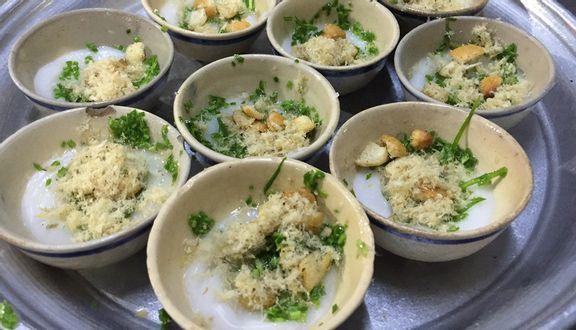 Loại bánh đặc sản ăn rồi vẫn muốn ăn lại níu chân du khách ở Phú Yên - Ảnh 2.