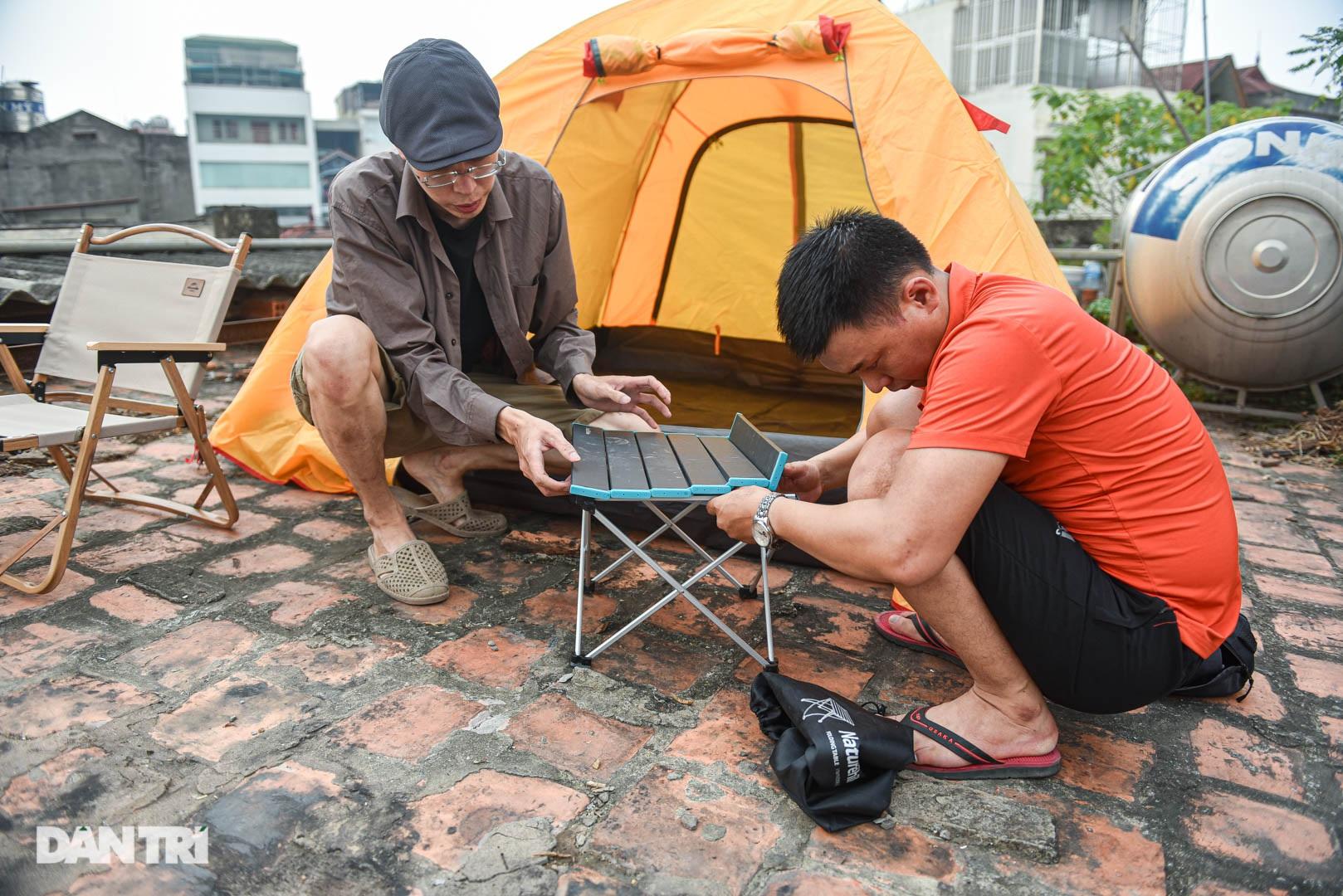 Thèm du lịch, giới trẻ đầu tư cắm trại tại gia: Chỉ ngắm nóc nhà vẫn vui - 5